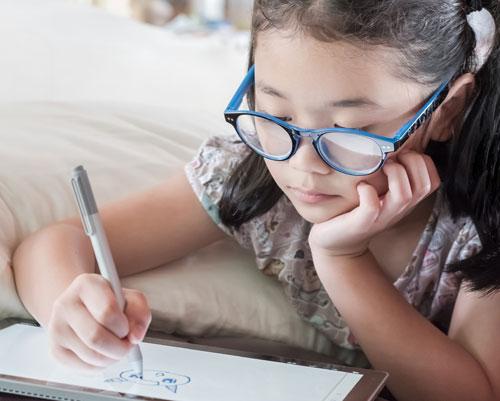 Visualtraining ist für Kinder häufig ein wichtiger Schritt